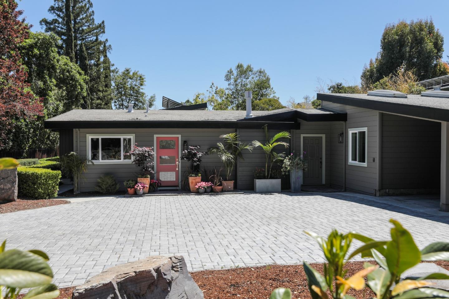 Detail Gallery Image 1 of 1 For 2199 Sharon Rd, Menlo Park,  CA 94025 - 3 Beds | 2 Baths