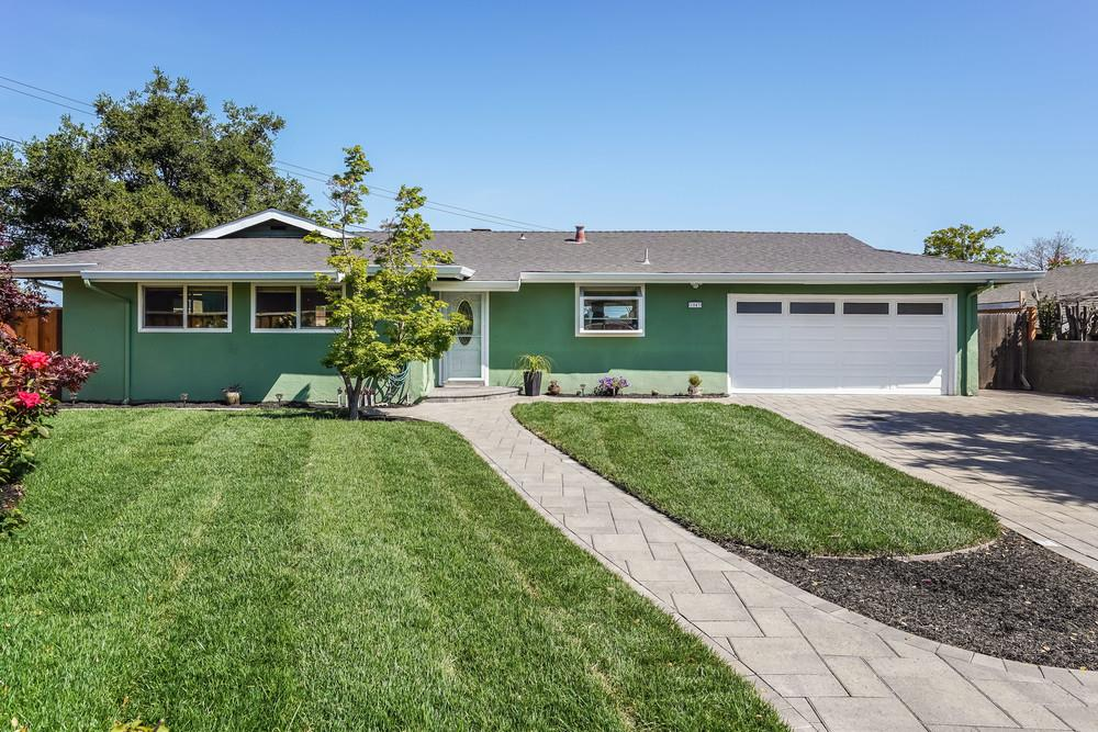 Detail Gallery Image 1 of 1 For 1043 Longfellow Ave, Campbell,  CA 95008 - 3 Beds | 2 Baths
