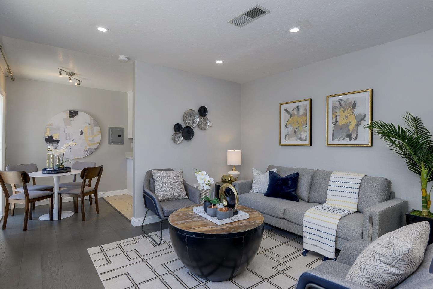Detail Gallery Image 1 of 1 For 3385 La Selva St #F,  San Mateo,  CA 94403 - 3 Beds | 2 Baths
