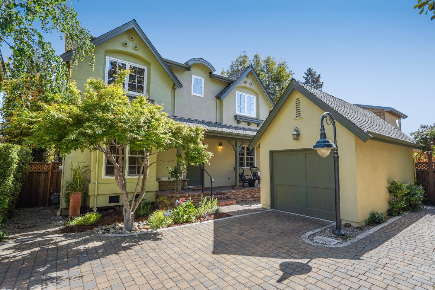Detail Gallery Image 1 of 1 For 1246 Hoover St, Menlo Park,  CA 94025 - 3 Beds | 2/1 Baths