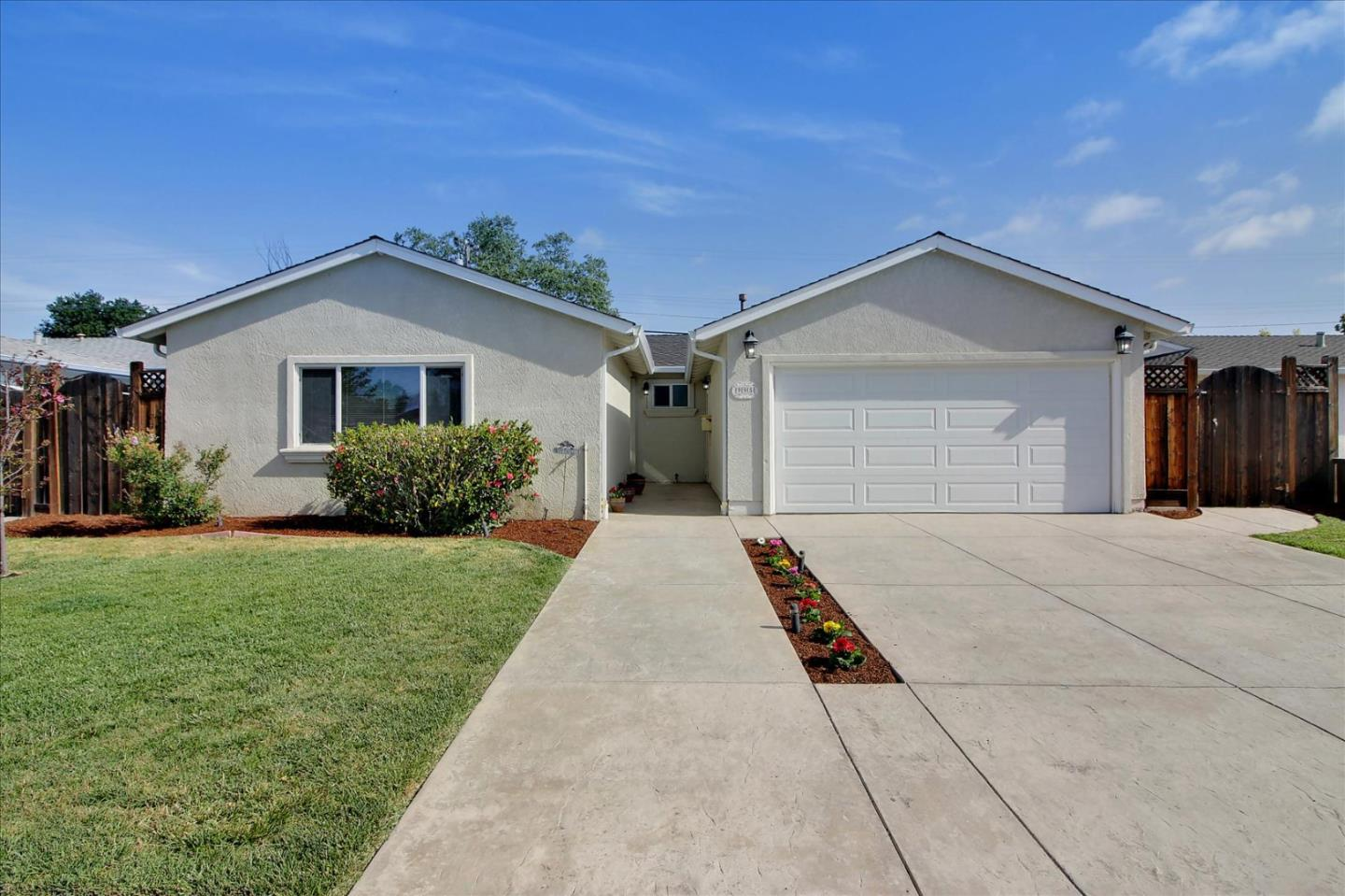 Detail Gallery Image 1 of 28 For 995 Lovell Ave, Campbell,  CA 95008 - 4 Beds   2 Baths