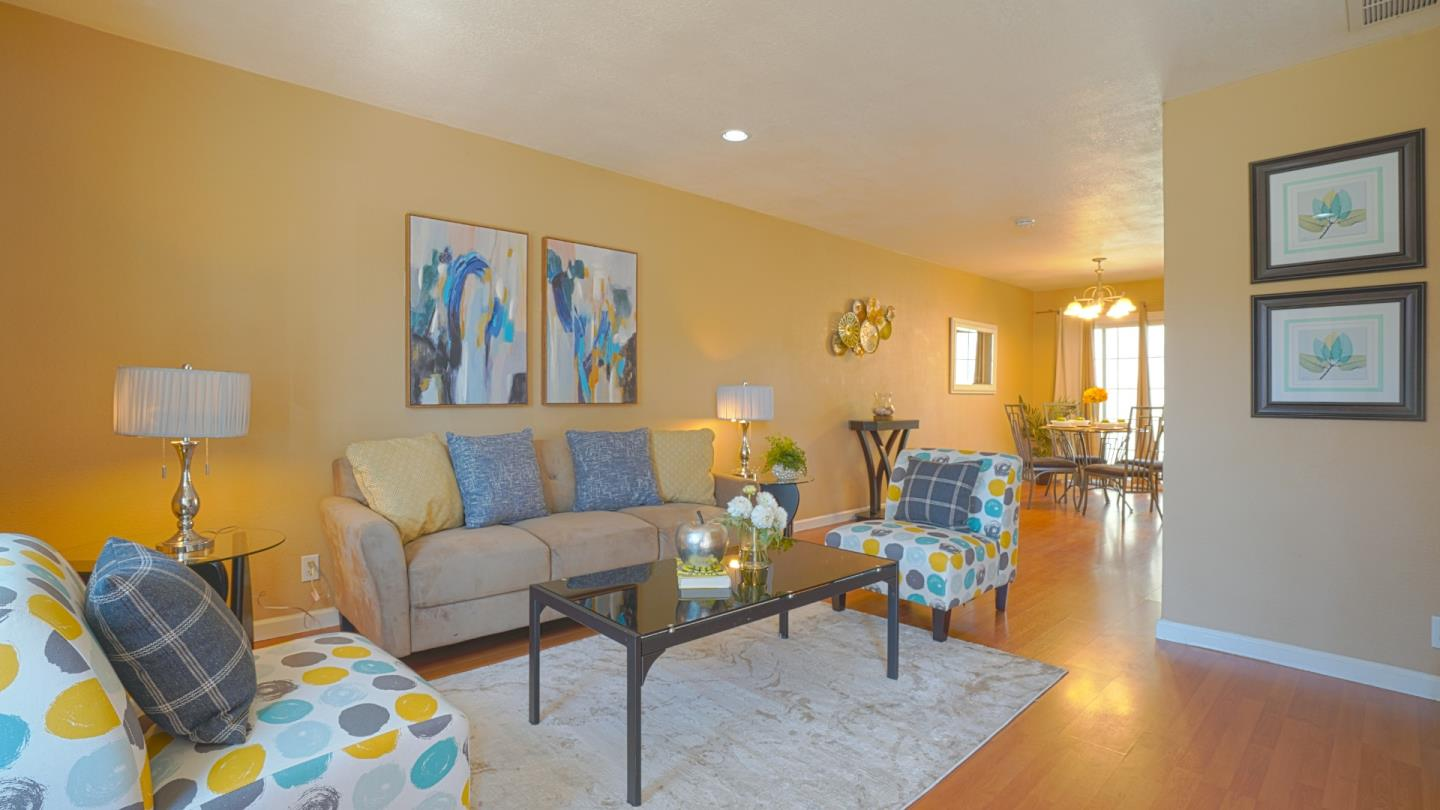 Detail Gallery Image 1 of 13 For 1510 Flanigan Dr #4,  San Jose,  CA 95121 - 2 Beds | 1/1 Baths