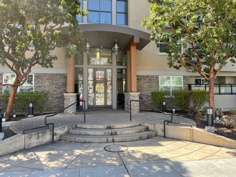Detail Gallery Image 1 of 31 For 4388 El Camino Real #219,  Los Altos,  CA 94022 - 2 Beds   2 Baths