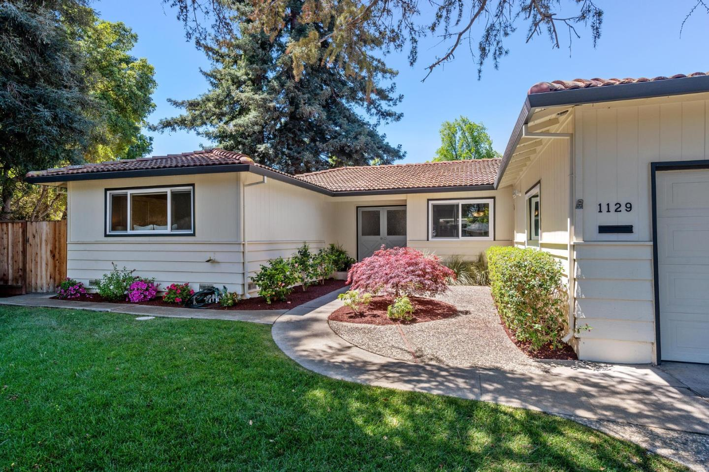 Detail Gallery Image 1 of 1 For 1129 Prunelle Ct, Sunnyvale,  CA 94087 - 4 Beds   2 Baths