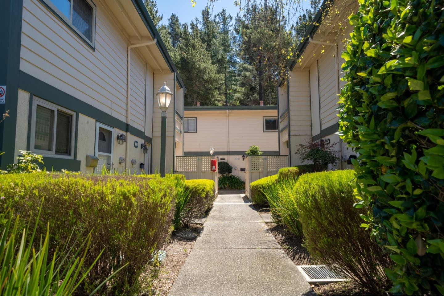 Detail Gallery Image 1 of 1 For 1386 Terra Nova Blvd, Pacifica,  CA 94044 - 2 Beds   1/1 Baths