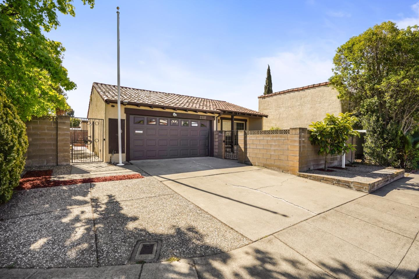 Detail Gallery Image 1 of 1 For 2332 Abaca Way, Fremont,  CA 94539 - 2 Beds   2 Baths