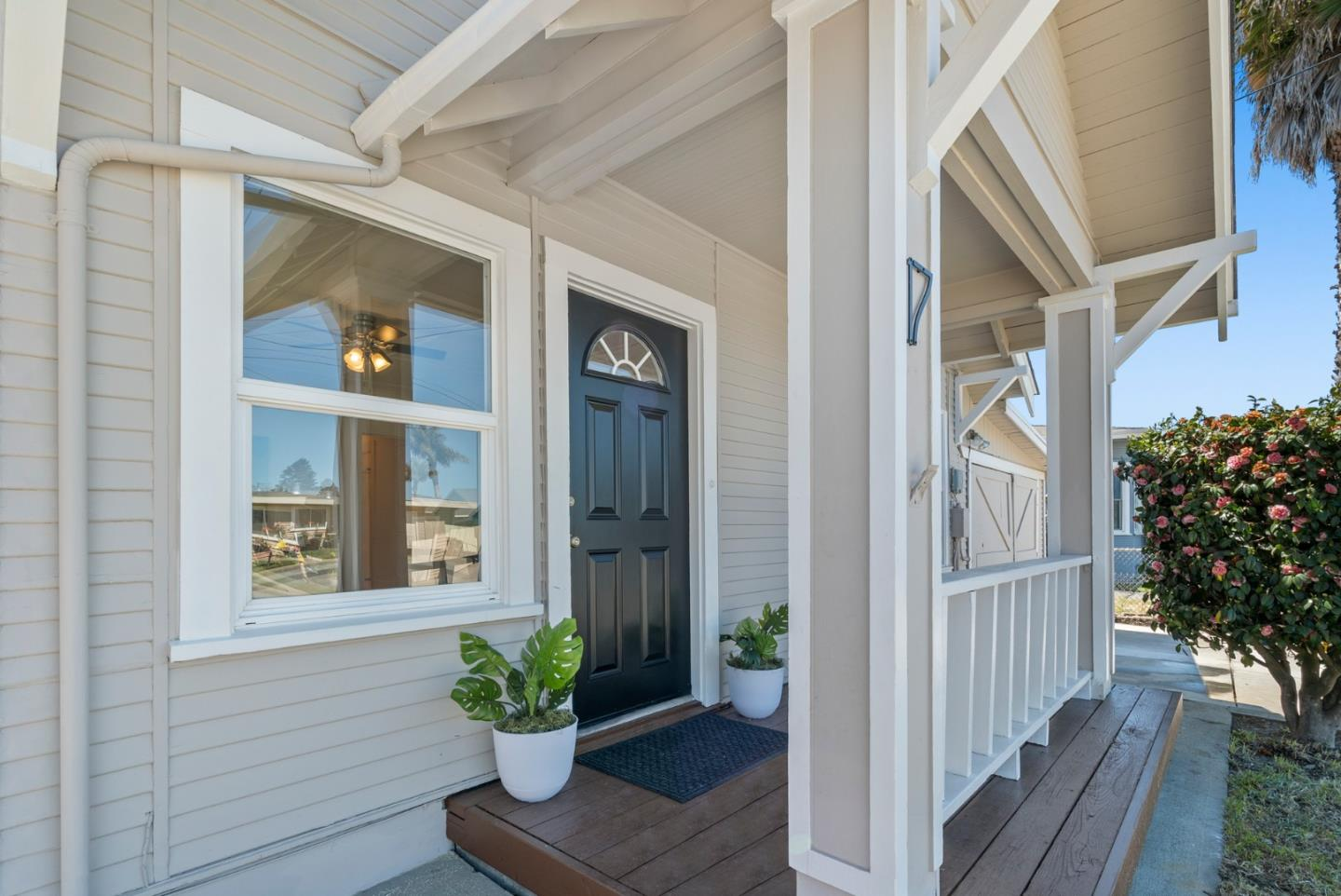Detail Gallery Image 1 of 1 For 17 Emme St, Freedom,  CA 95019 - 2 Beds | 1 Baths