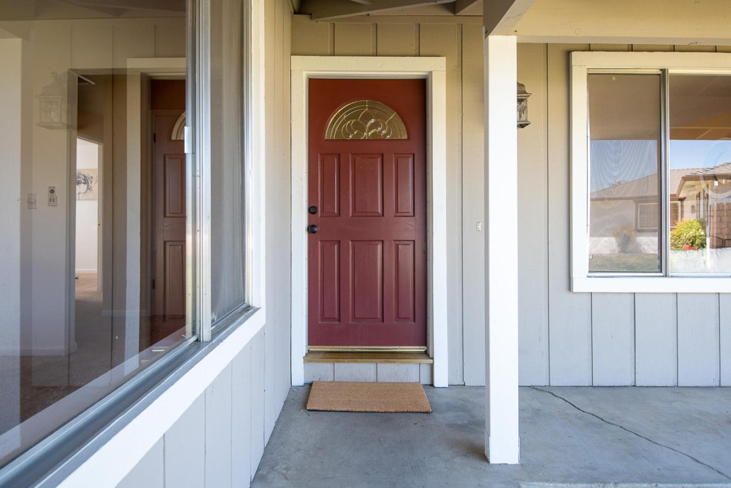 Detail Gallery Image 1 of 1 For 930 Apple Ct, Hollister,  CA 95023 - 3 Beds   2 Baths