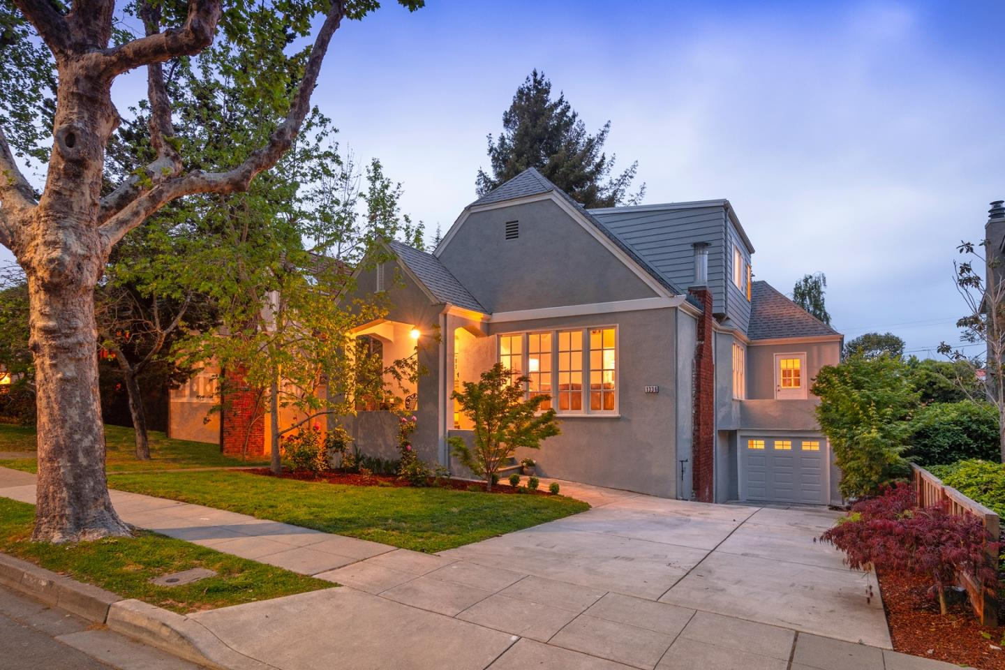 Detail Gallery Image 1 of 1 For 1336 Bernal Ave, Burlingame,  CA 94010 - 4 Beds | 2 Baths