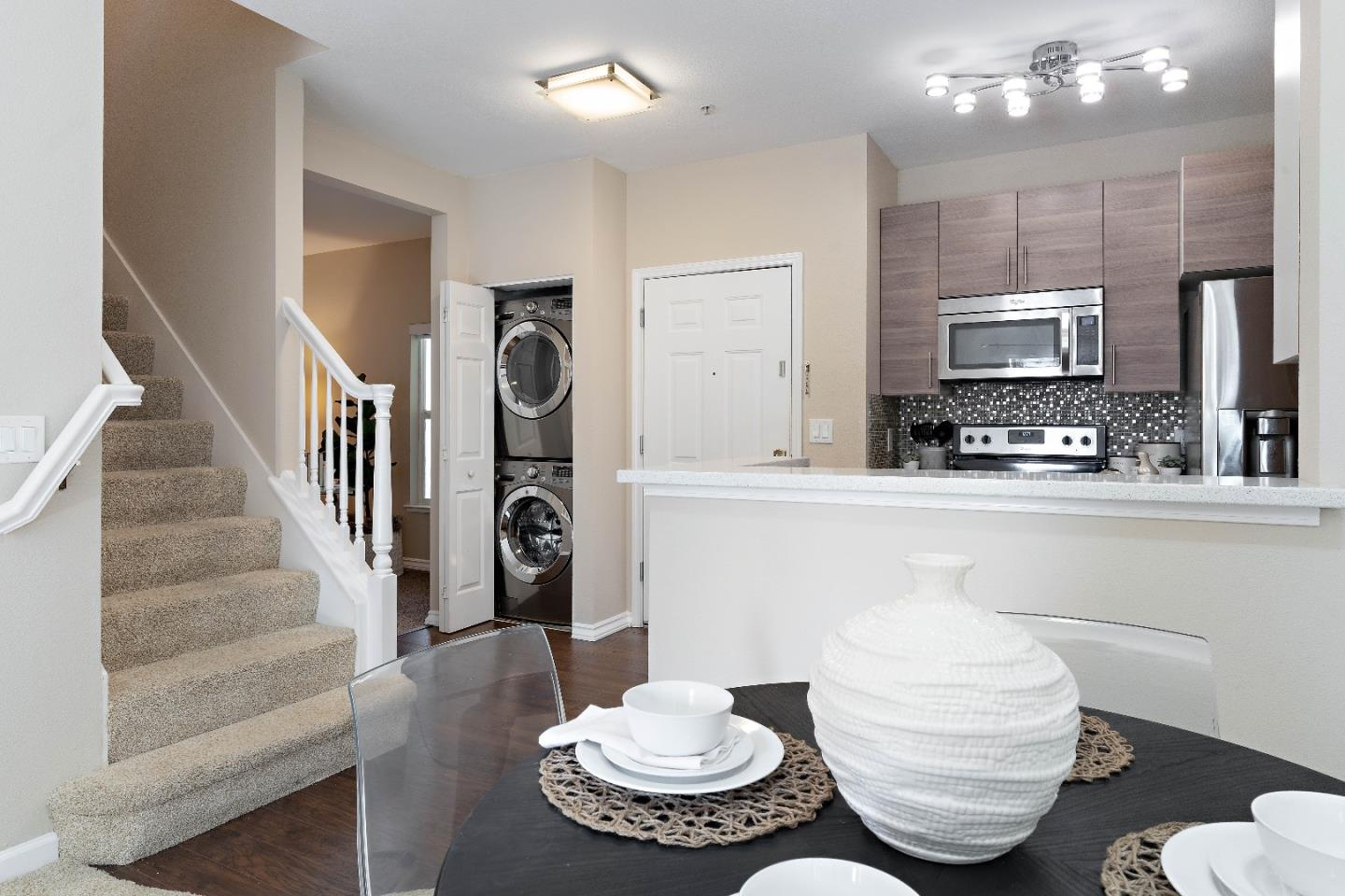 Detail Gallery Image 1 of 1 For 2255 Showers Dr #352,  Mountain View,  CA 94040 - 2 Beds   2 Baths
