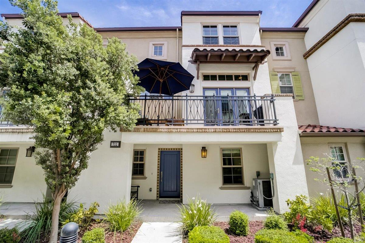 Detail Gallery Image 1 of 1 For 711 Reflection Way, Mountain View,  CA 94043 - 3 Beds | 3/1 Baths