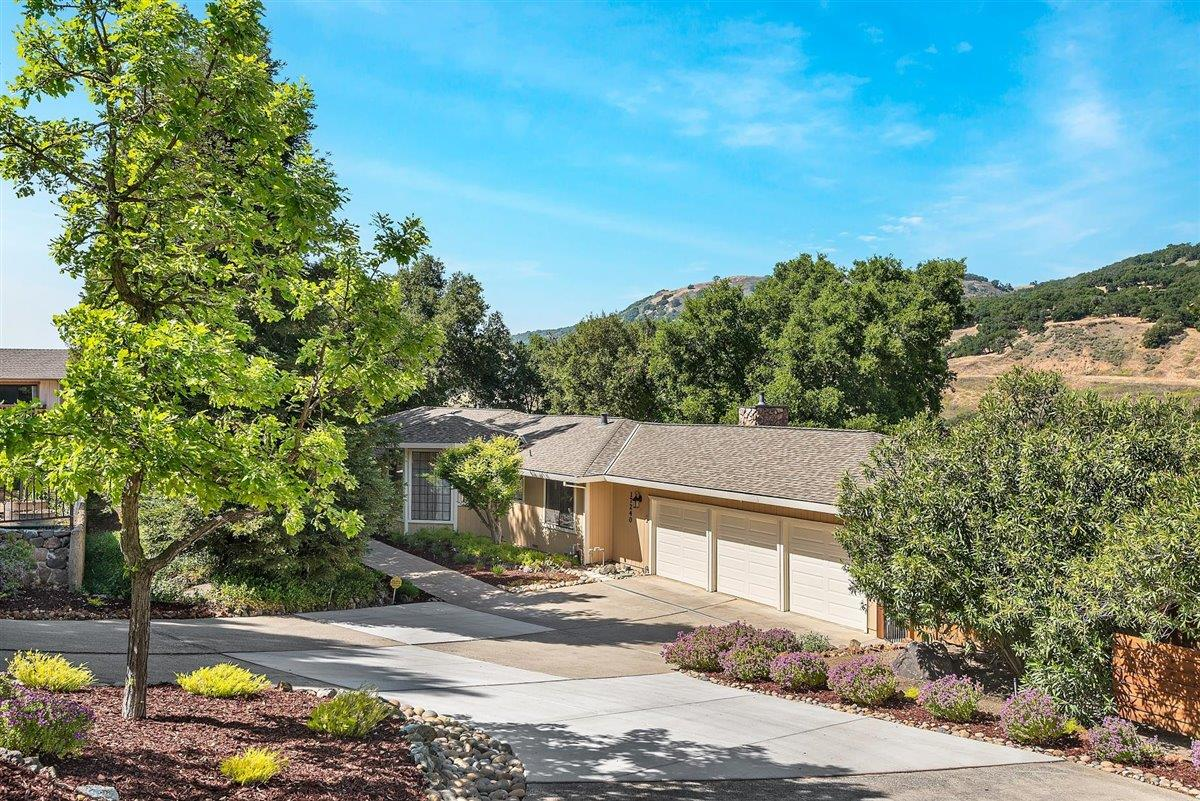 Detail Gallery Image 1 of 1 For 17240 Holiday Dr, Morgan Hill,  CA 95037 - 4 Beds   2 Baths