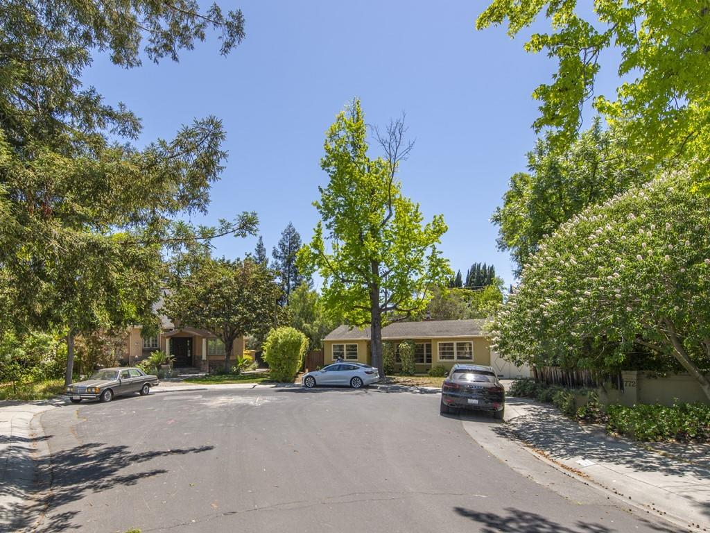 Detail Gallery Image 1 of 22 For 776 Rosewood Dr, Palo Alto,  CA 94303 - 2 Beds   1 Baths