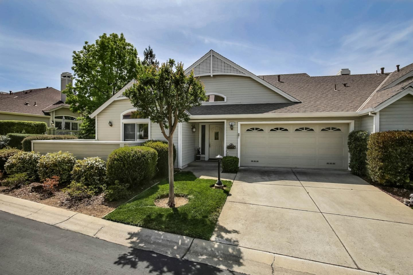 Detail Gallery Image 1 of 1 For 7803 Prestwick Cir, San Jose,  CA 95135 - 2 Beds | 2 Baths