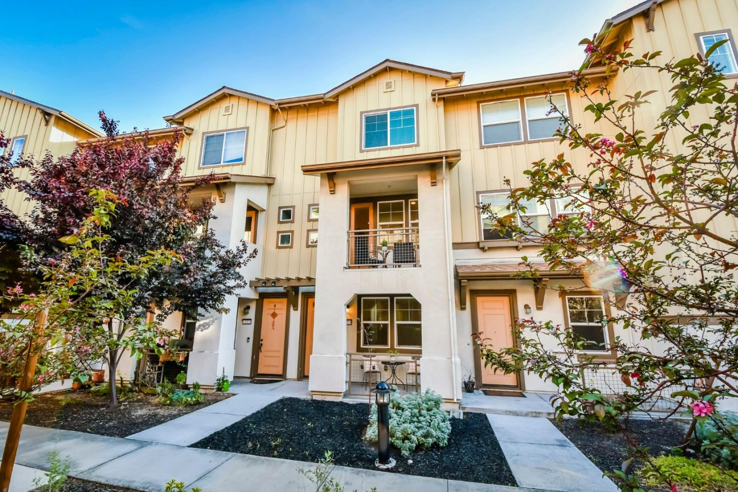 Detail Gallery Image 1 of 1 For 1129 Mallow Ter, San Jose,  CA 95133 - 4 Beds   4 Baths