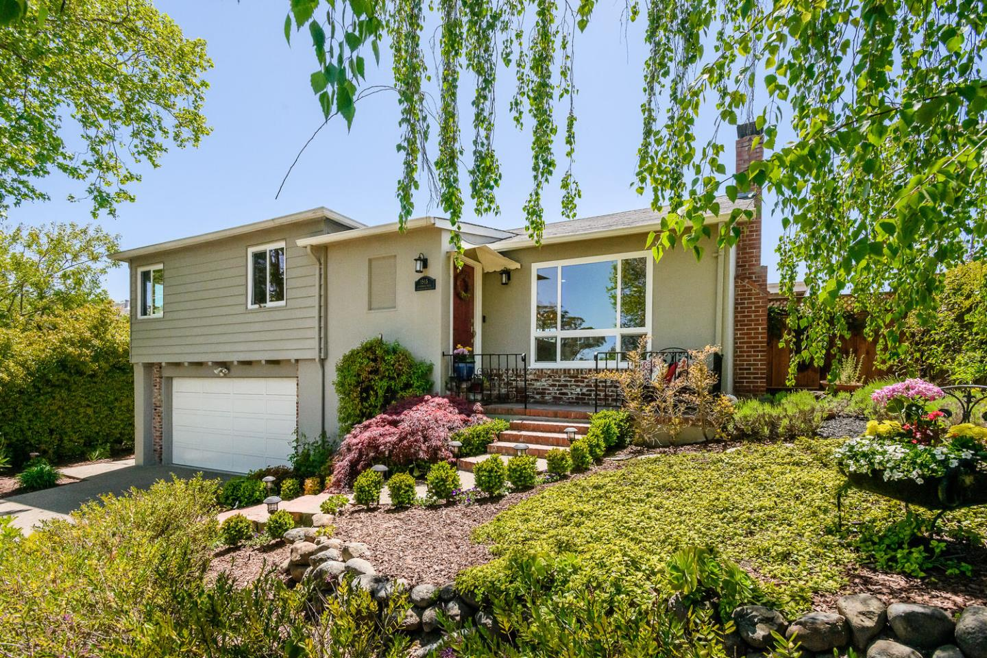 Detail Gallery Image 1 of 1 For 1515 Los Montes Dr, Burlingame,  CA 94010 - 3 Beds   2/1 Baths
