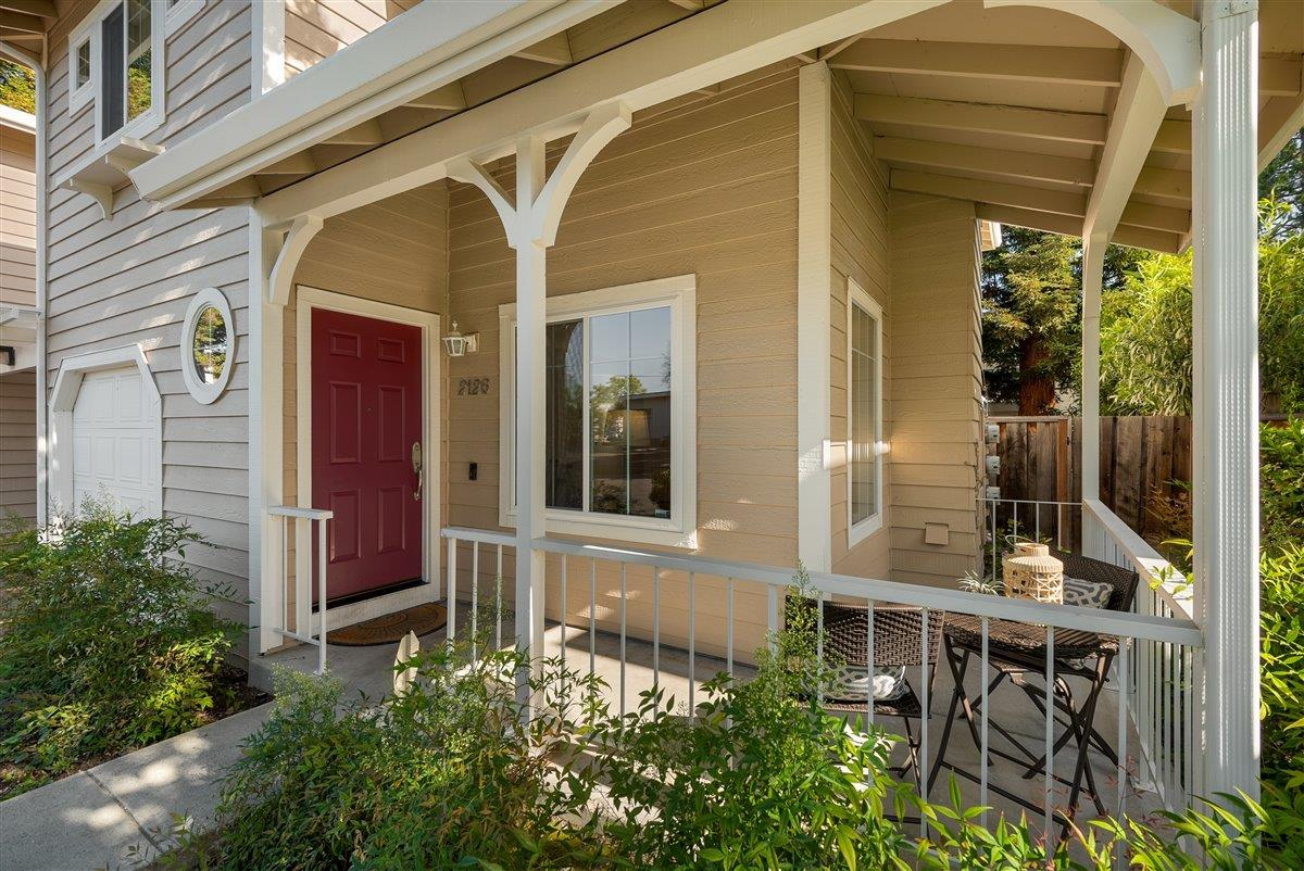 Detail Gallery Image 1 of 22 For 2126 Reinert Ct, Mountain View,  CA 94043 - 3 Beds   2/1 Baths