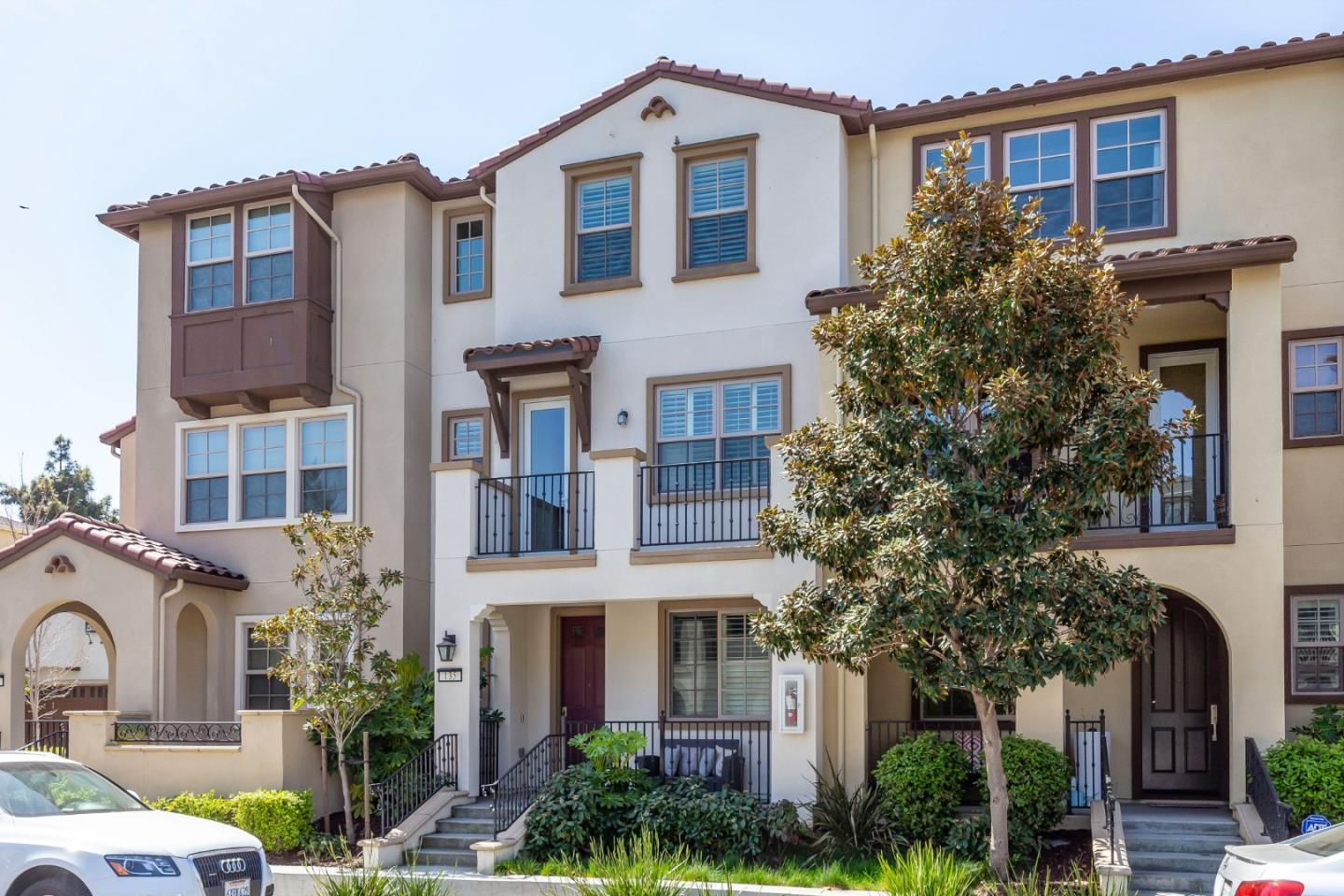 Detail Gallery Image 1 of 24 For 135 Avellino Way, Mountain View,  CA 94043 - 4 Beds | 3/1 Baths