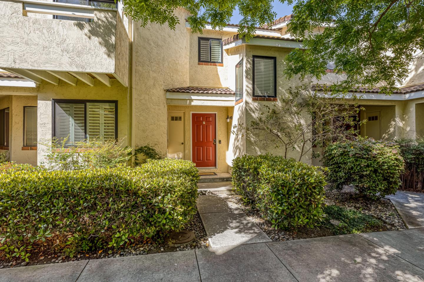 Detail Gallery Image 1 of 21 For 227 Ada Ave #Q,  Mountain View,  CA 94043 - 2 Beds   2/1 Baths