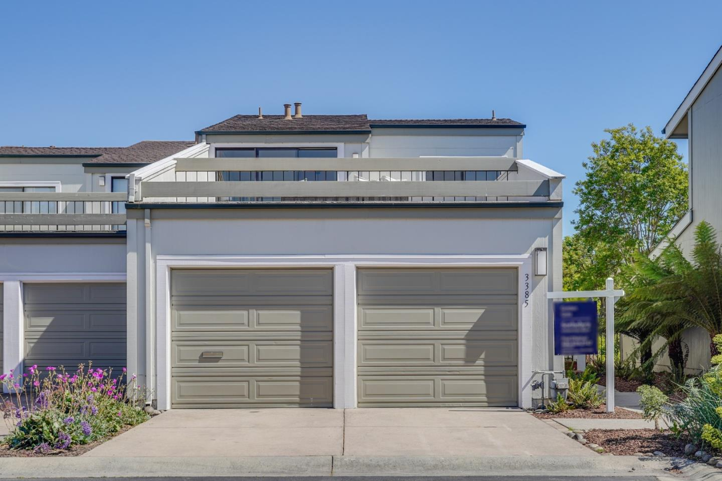 Detail Gallery Image 1 of 1 For 3385 Los Prados St, San Mateo,  CA 94403 - 2 Beds | 2 Baths