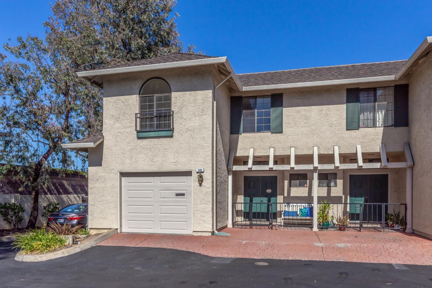 Detail Gallery Image 1 of 23 For 5188 Meridian Ave, San Jose,  CA 95118 - 3 Beds   2/1 Baths