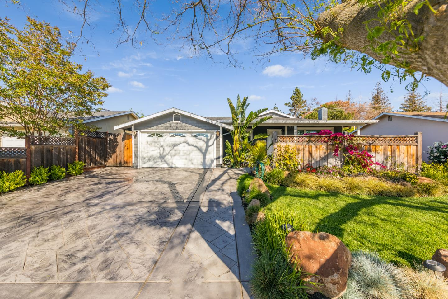 Detail Gallery Image 1 of 1 For 686 Inwood Dr, Campbell,  CA 95008 - 3 Beds   2 Baths