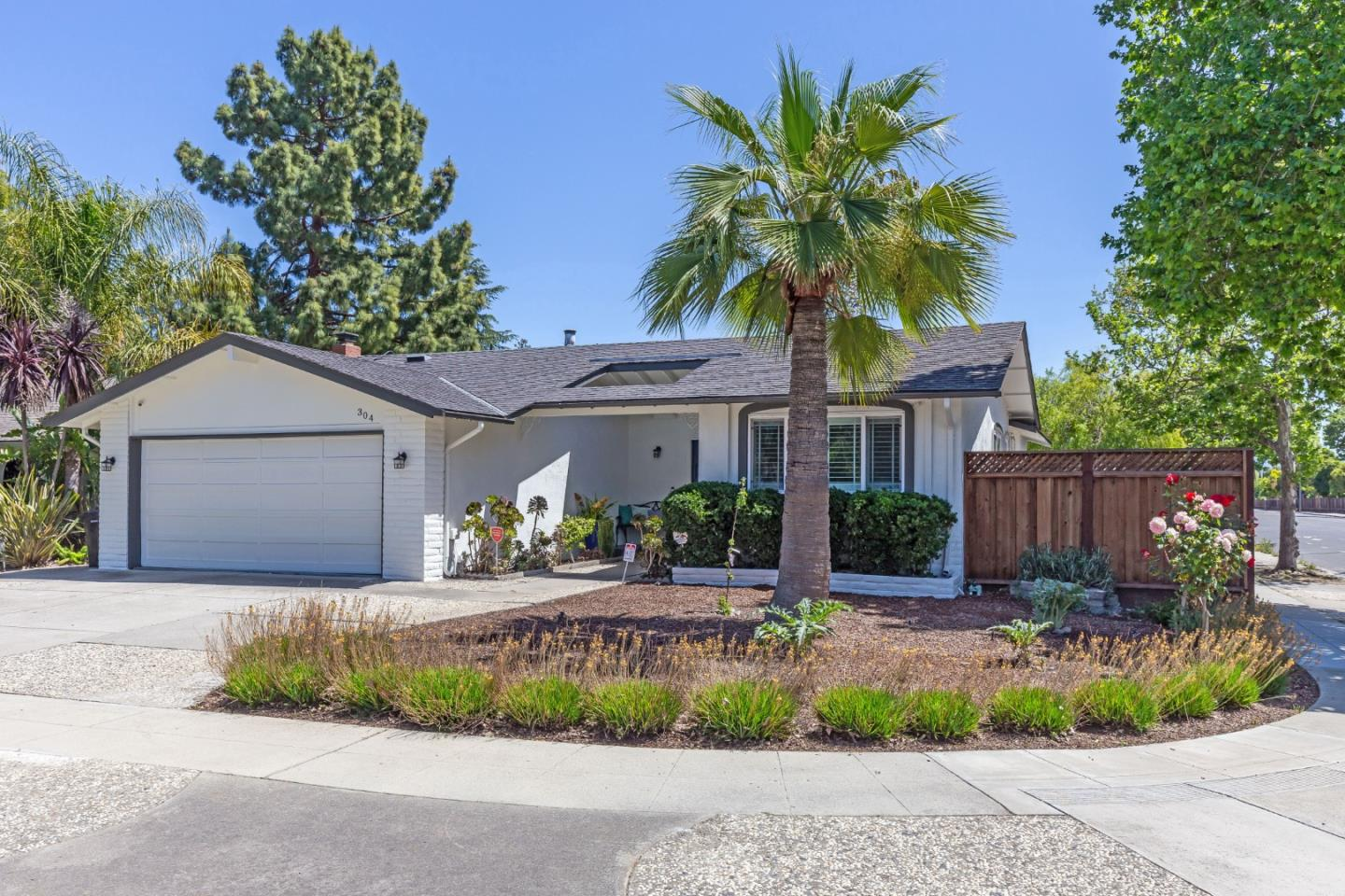 Detail Gallery Image 1 of 1 For 304 Grandpark Cir, San Jose,  CA 95136 - 3 Beds | 2 Baths