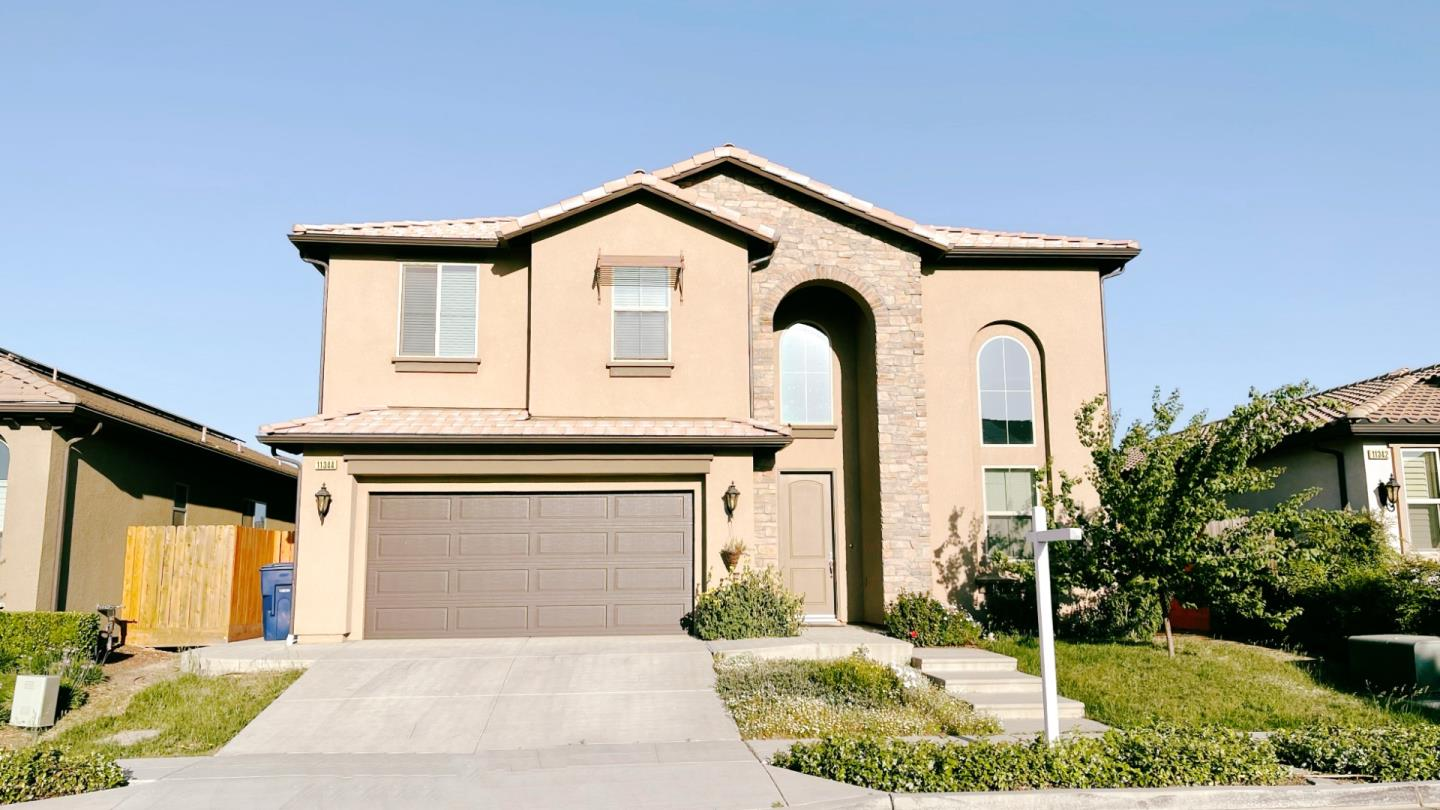 Detail Gallery Image 1 of 18 For 11344 N Blue Sage Ave, Fresno,  CA 93730 - 5 Beds | 3/1 Baths