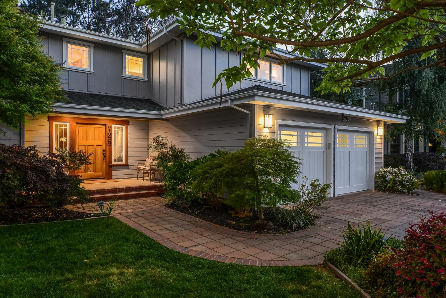 Detail Gallery Image 1 of 1 For 725 Cotton St, Menlo Park,  CA 94025 - 4 Beds   3 Baths