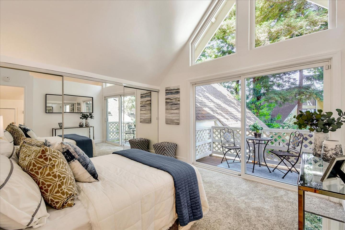 Detail Gallery Image 1 of 1 For 2522 W Middlefield Rd, Mountain View,  CA 94043 - 2 Beds   1/1 Baths