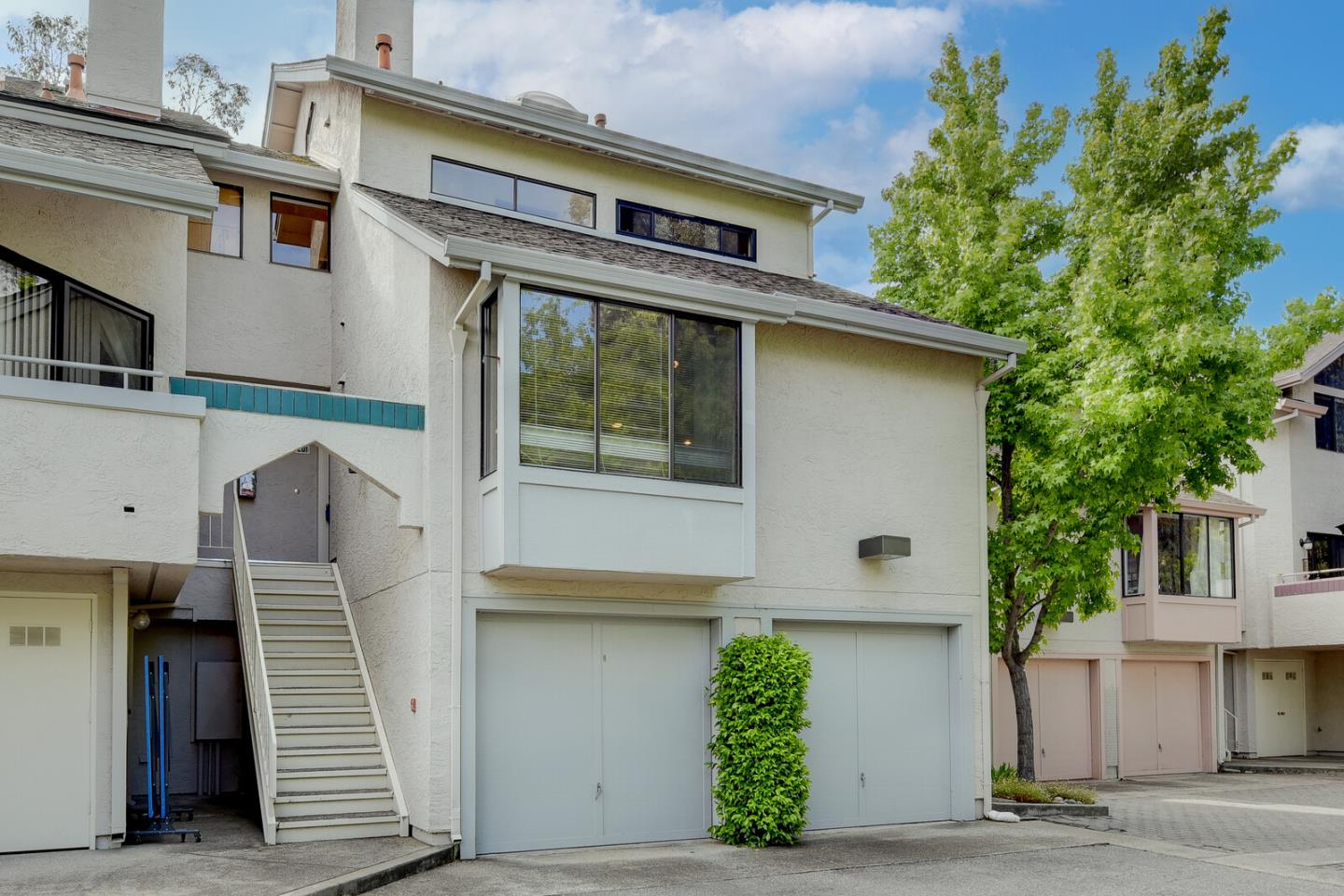 Detail Gallery Image 1 of 15 For 3077 Middlefield Rd #201,  Palo Alto,  CA 94306 - 3 Beds   2 Baths