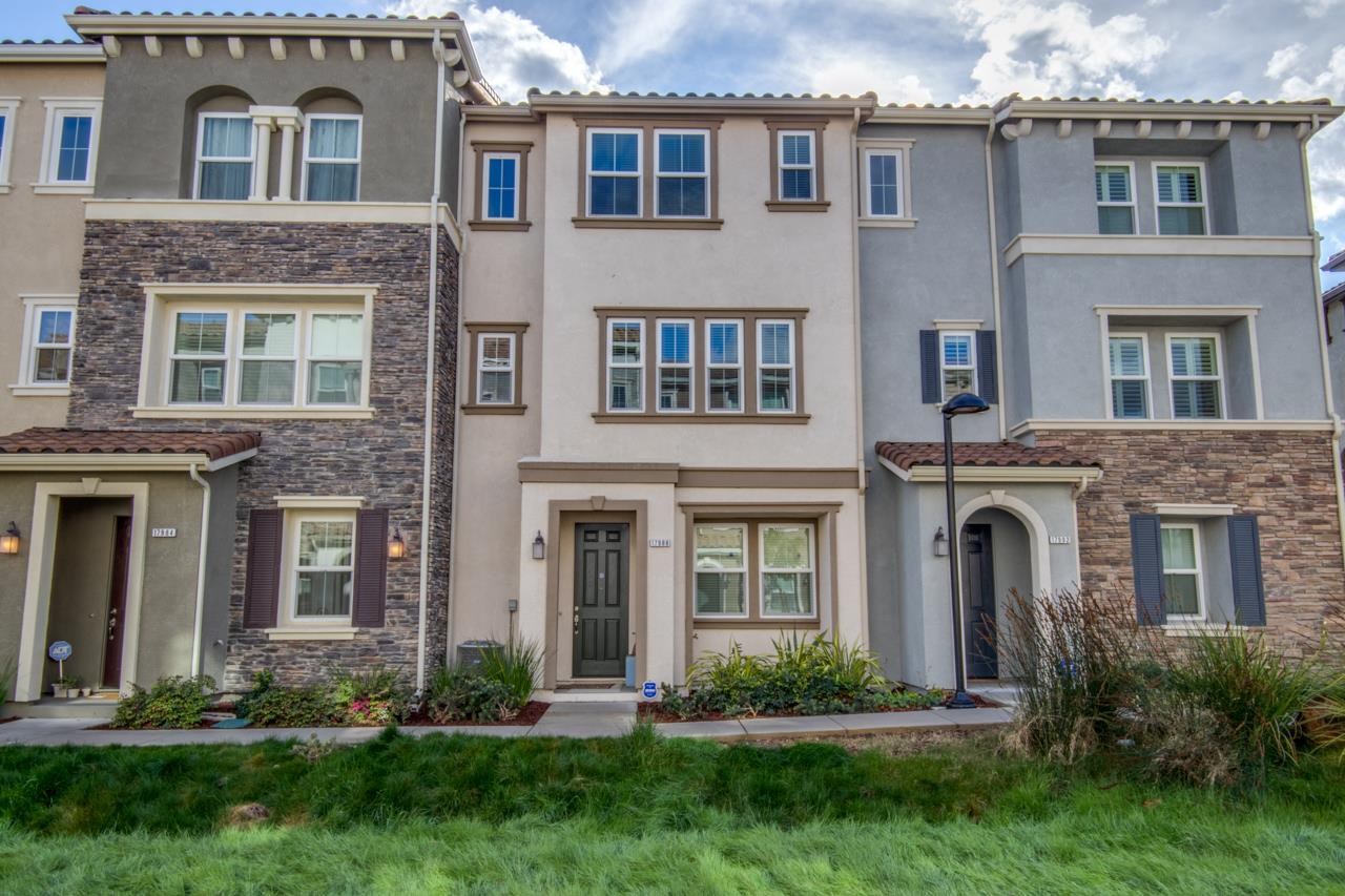 Detail Gallery Image 1 of 1 For 17988 Navarra Ln, Morgan Hill,  CA 95037 - 3 Beds | 2/1 Baths