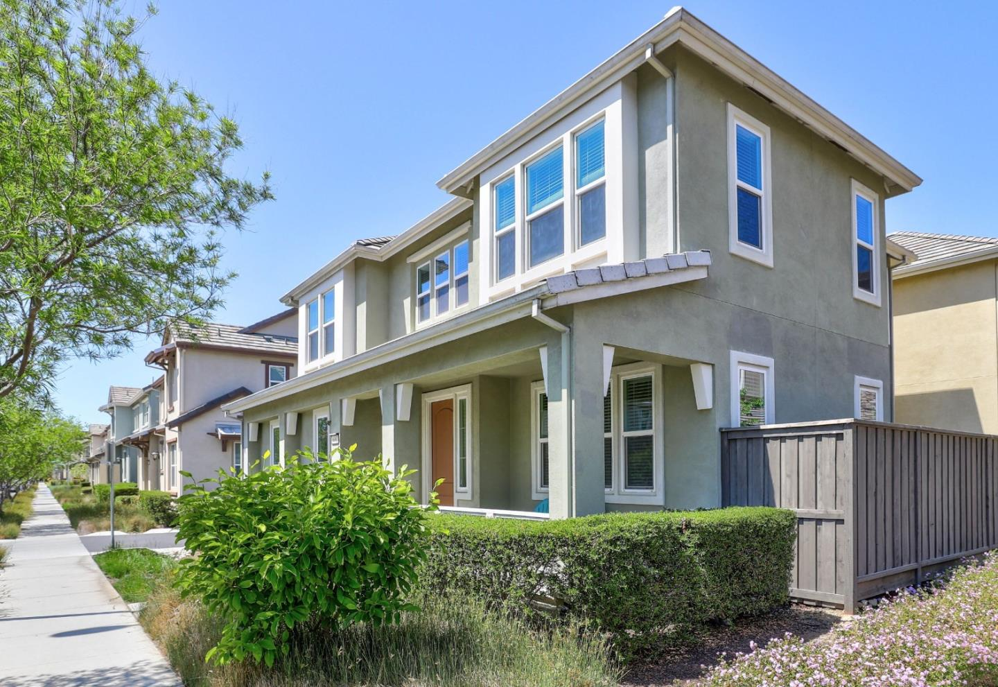 Detail Gallery Image 1 of 1 For 6092 Charlotte, San Jose,  CA 95123 - 3 Beds | 2/1 Baths