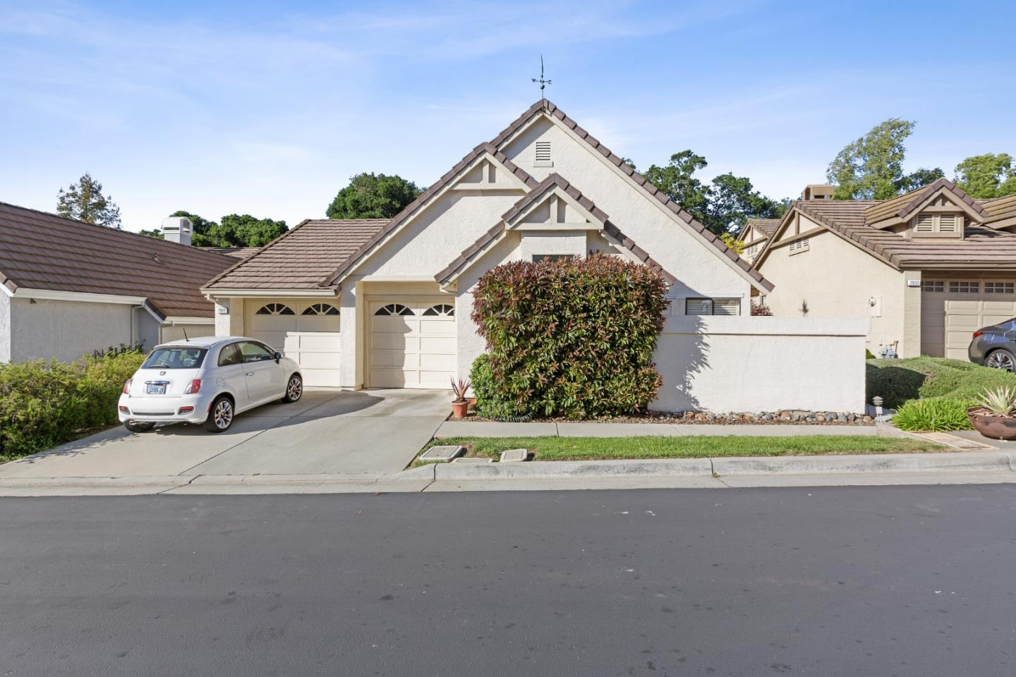 Detail Gallery Image 1 of 1 For 7933 Caledonia Dr, San Jose,  CA 95135 - 3 Beds   2 Baths