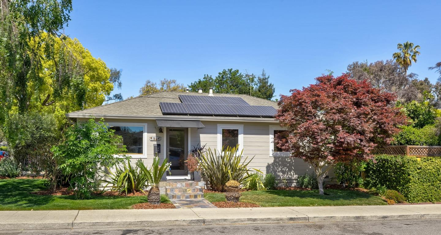 Detail Gallery Image 1 of 19 For 1846 Villa St, Mountain View,  CA 94041 - 3 Beds   1 Baths