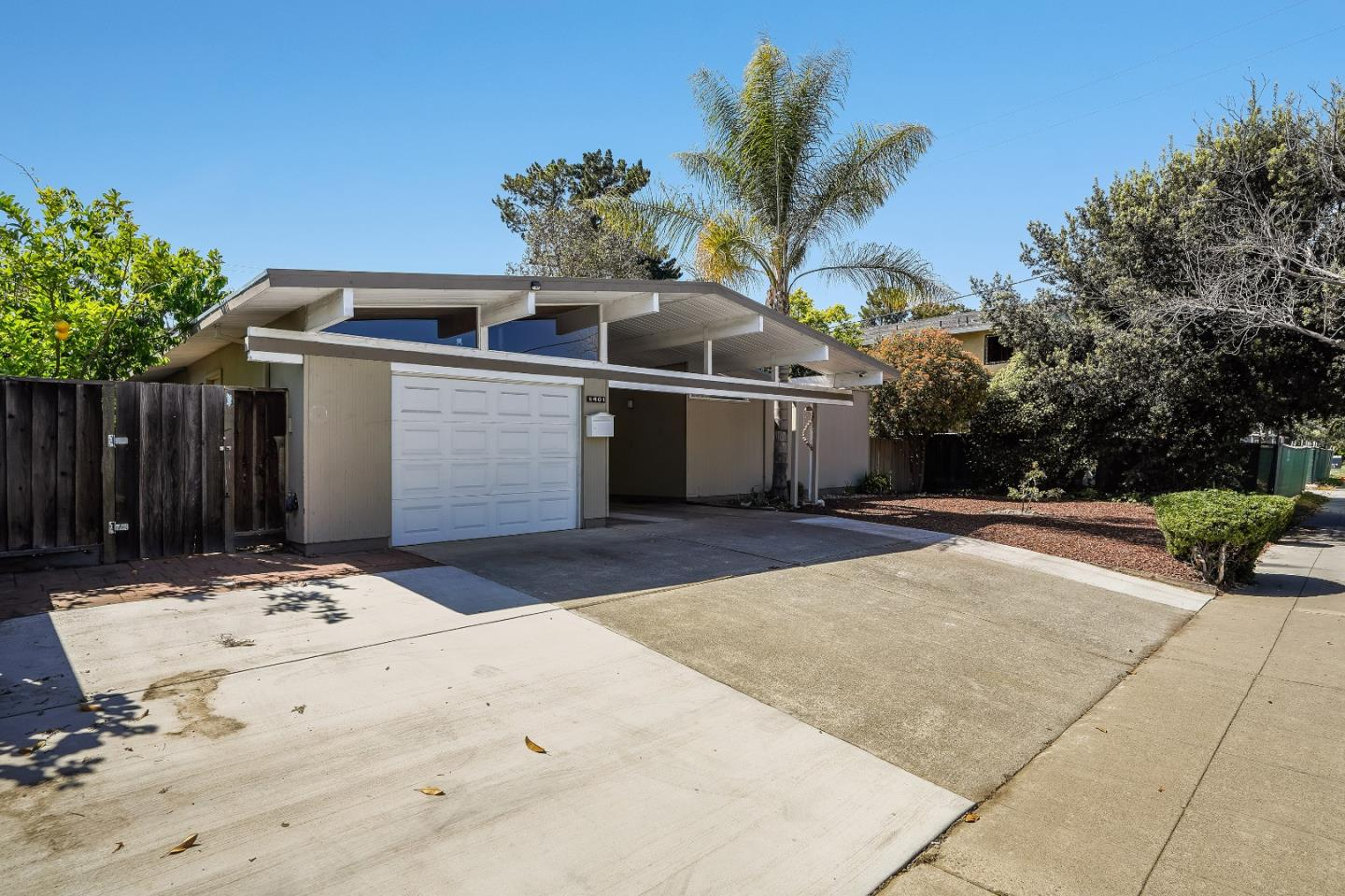 Detail Gallery Image 1 of 67 For 1401 S Wolfe Rd, Sunnyvale,  CA 94087 - 4 Beds   2 Baths