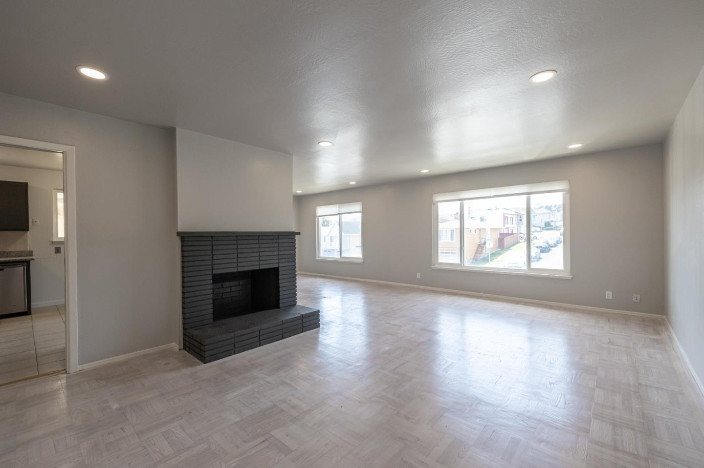 Detail Gallery Image 1 of 1 For 299 Saint Francis Blvd, Daly City,  CA 94015 - 4 Beds   2/1 Baths