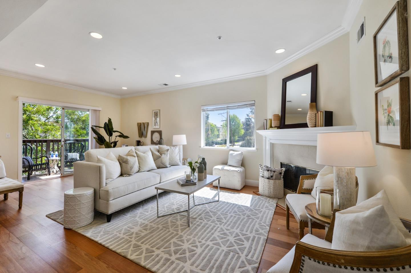 Detail Gallery Image 1 of 1 For 1273 El Camino Real #1,  Burlingame,  CA 94010 - 2 Beds | 2 Baths