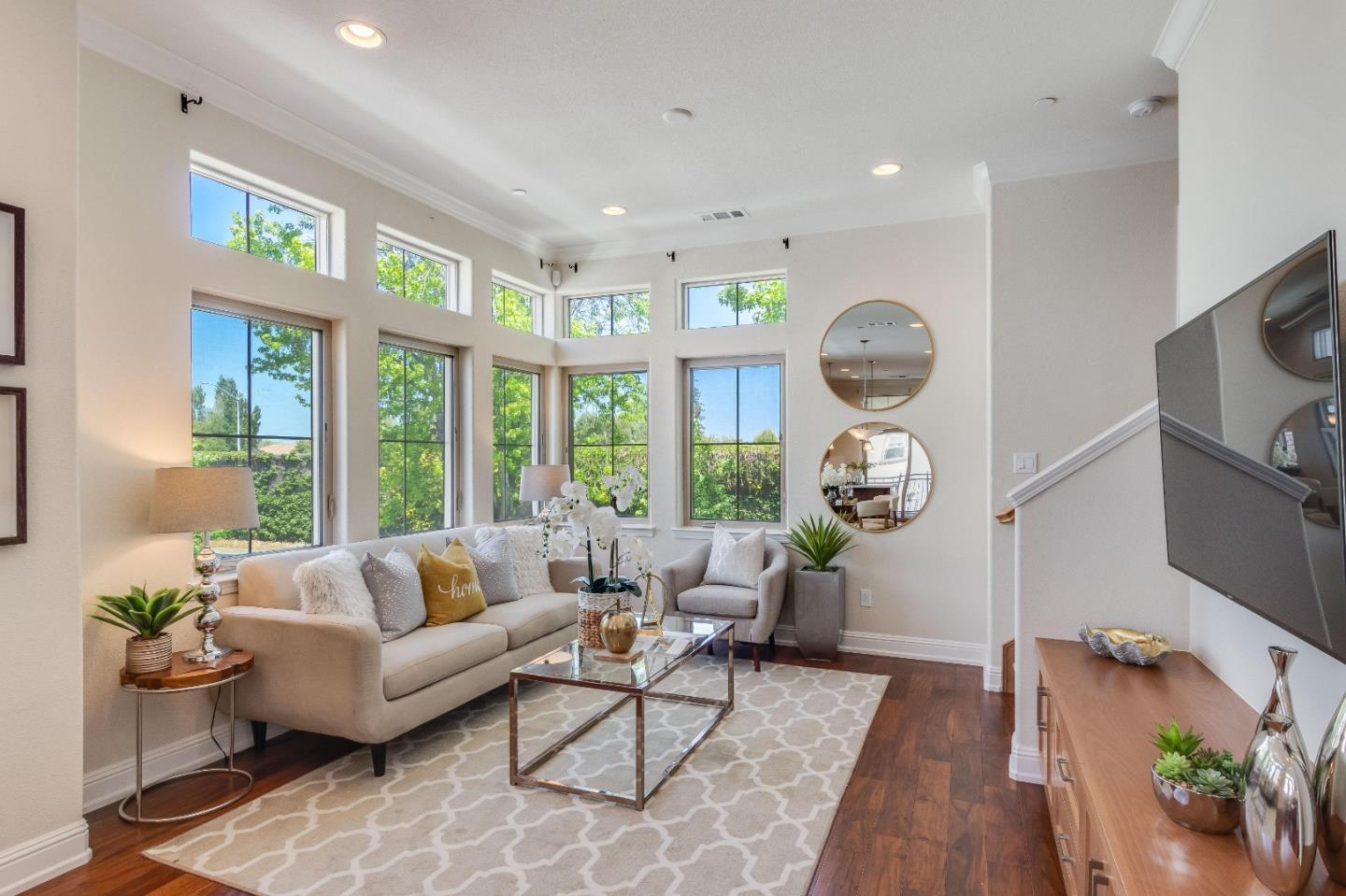 Detail Gallery Image 1 of 1 For 125 Fairchild Dr, Mountain View,  CA 94043 - 2 Beds | 2/1 Baths