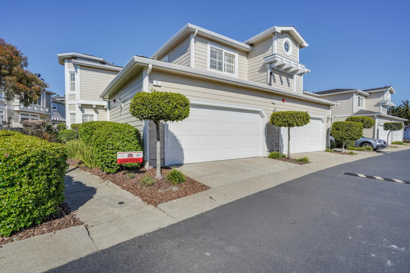 Detail Gallery Image 1 of 34 For 72 Outlook Cir, Pacifica,  CA 94044 - 3 Beds | 2/1 Baths