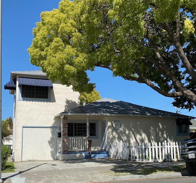 Detail Gallery Image 1 of 1 For 208 N Humboldt St, San Mateo,  CA 94401 - 3 Beds   2 Baths