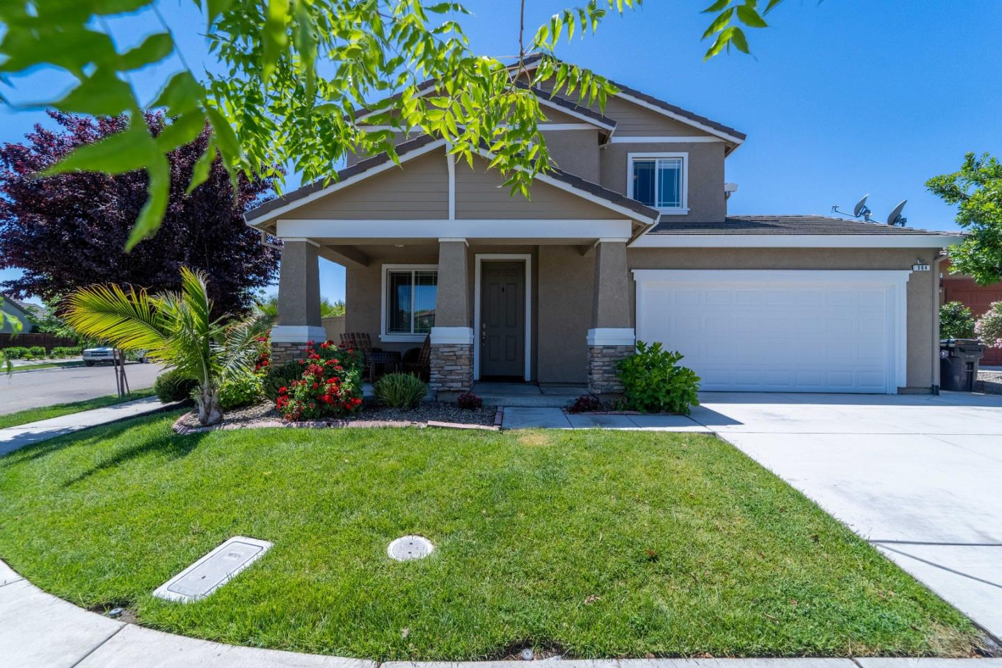 Detail Gallery Image 1 of 1 For 364 Colonial Trl, Lathrop,  CA 95330 - 4 Beds   3/1 Baths