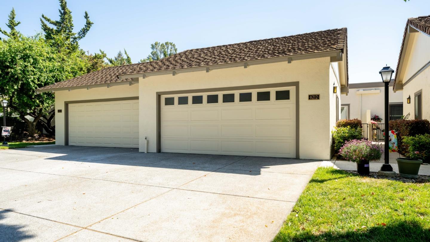 Detail Gallery Image 1 of 25 For 6212 Wehner Way, San Jose,  CA 95135 - 2 Beds   2 Baths