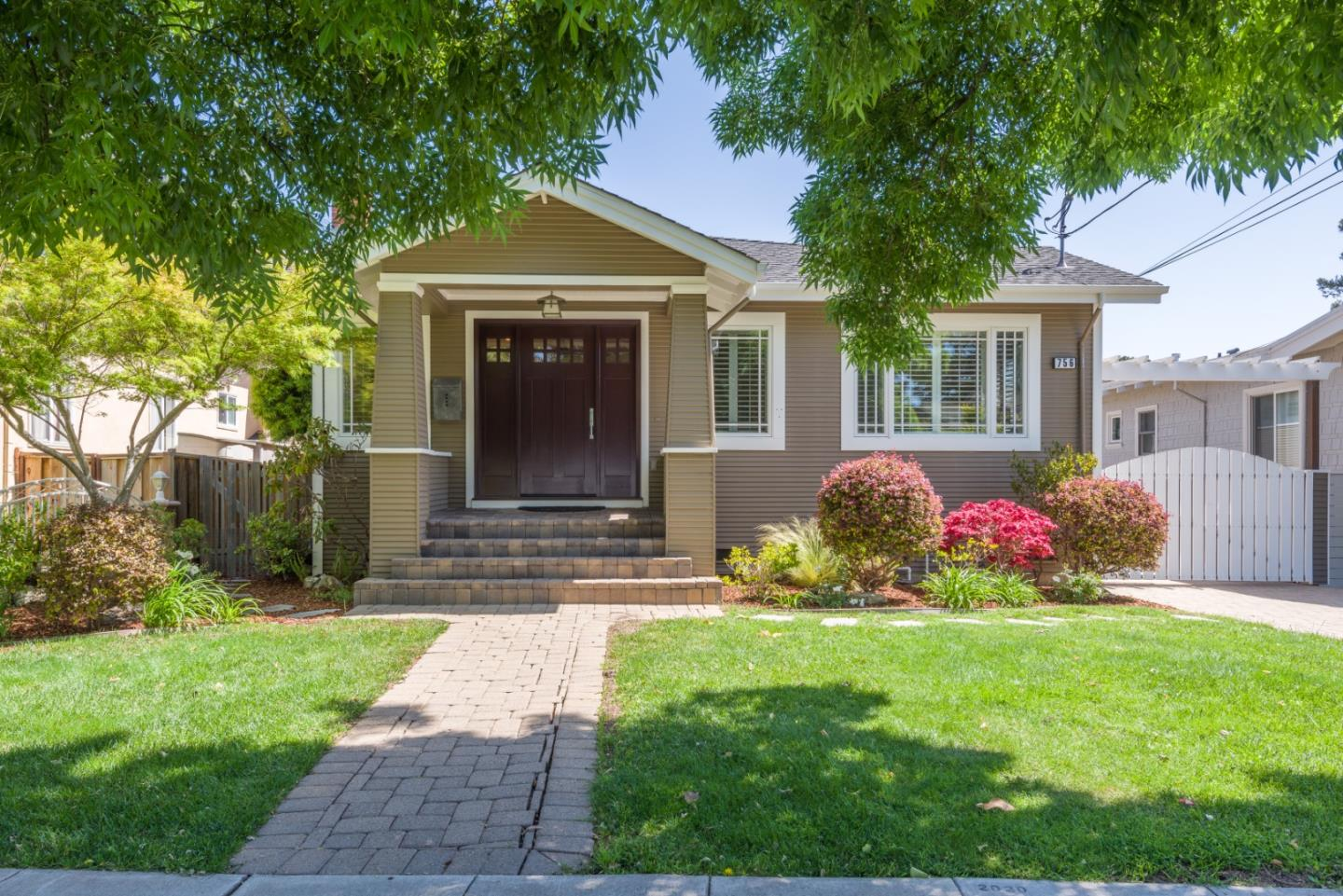 Detail Gallery Image 1 of 1 For 756 Acacia Dr, Burlingame,  CA 94010 - 3 Beds | 2 Baths