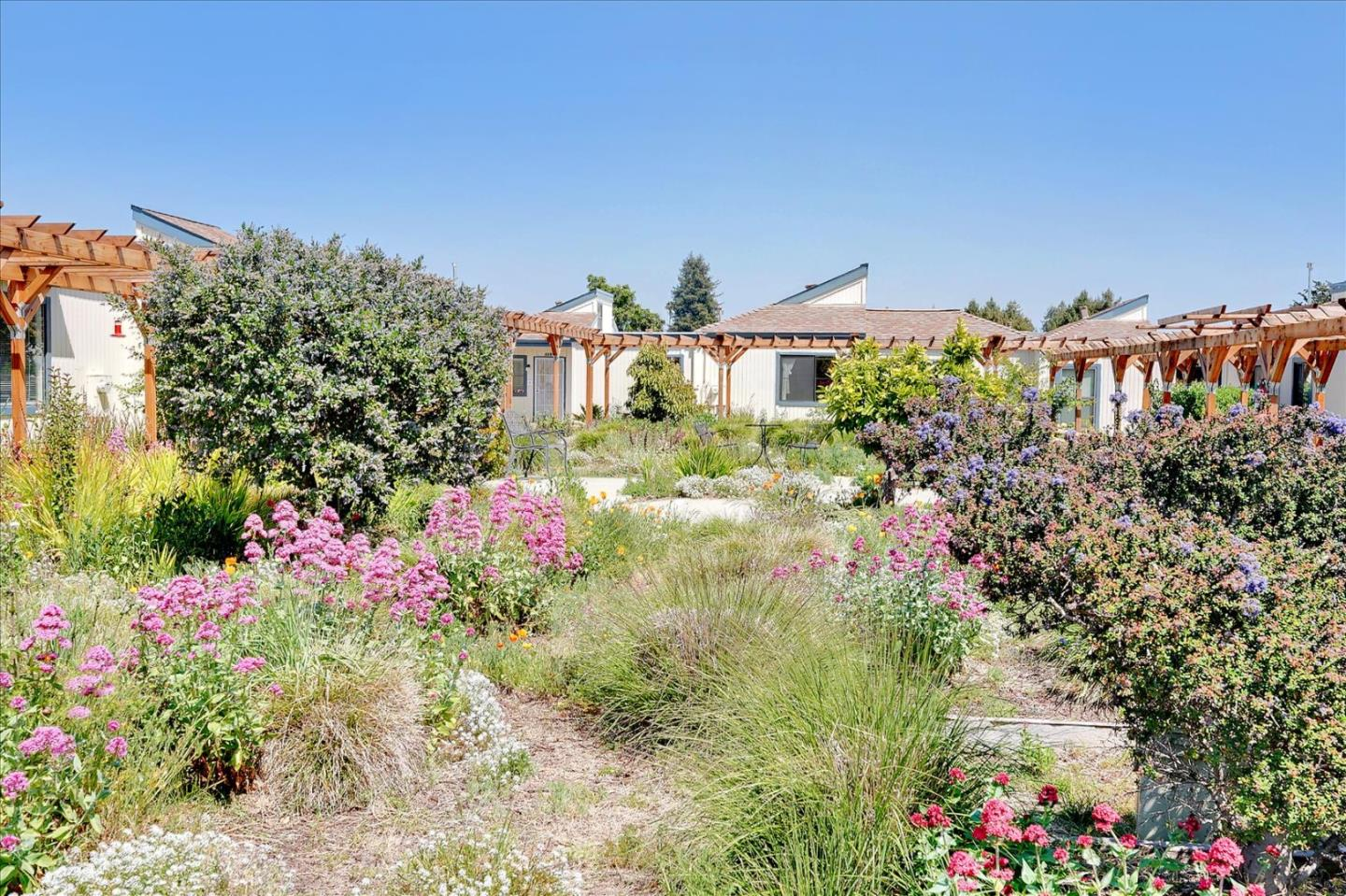 Detail Gallery Image 1 of 21 For 2286 7th Ave, Santa Cruz,  CA 95062 - 1 Beds | 1 Baths