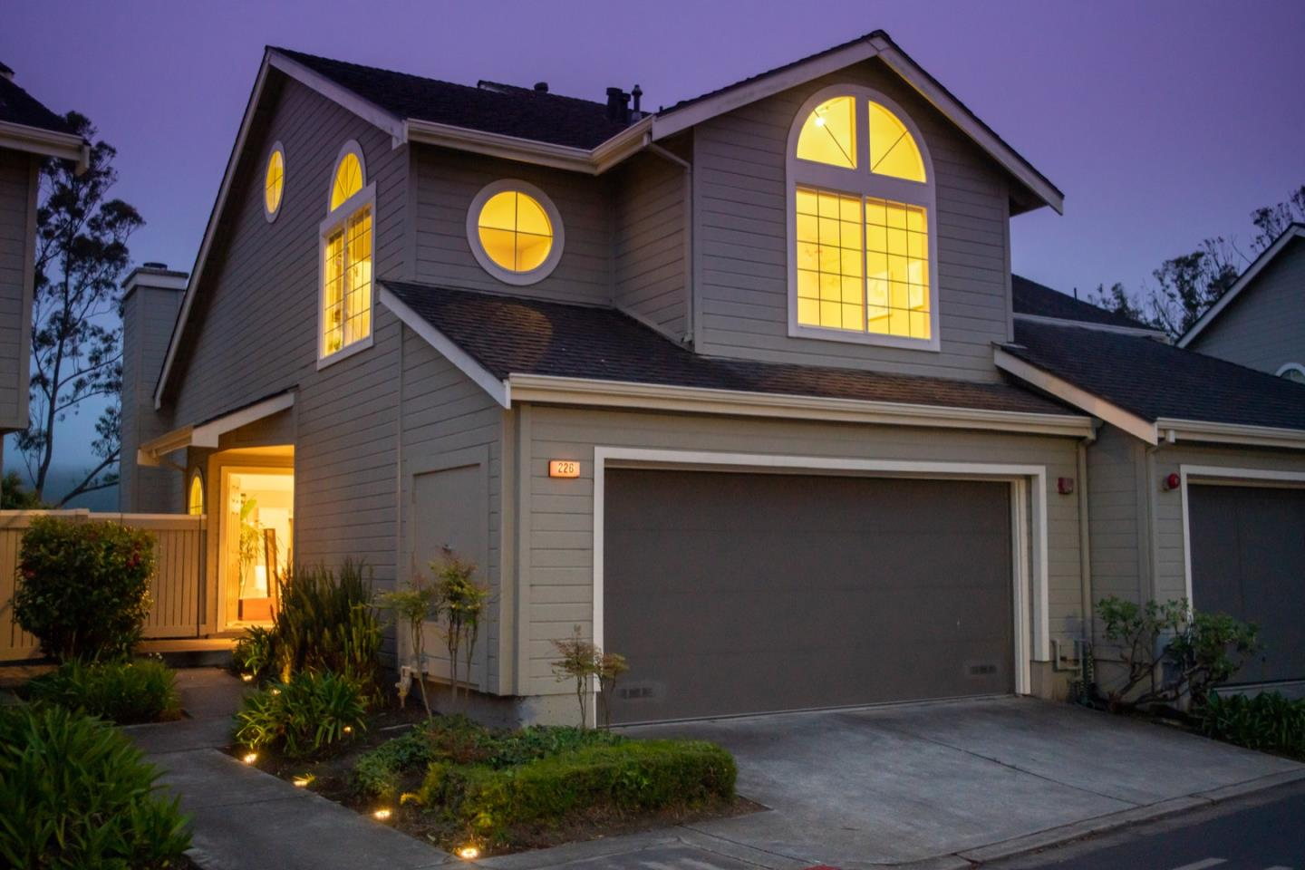 Detail Gallery Image 1 of 1 For 226 Greenview Dr, Daly City,  CA 94014 - 3 Beds | 2/1 Baths