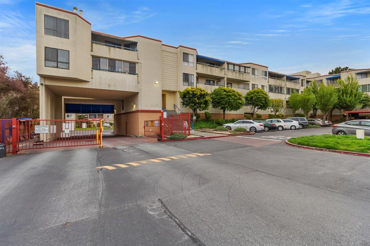 Detail Gallery Image 1 of 21 For 1551 Southgate Ave #125,  Daly City,  CA 94015 - 1 Beds | 1 Baths