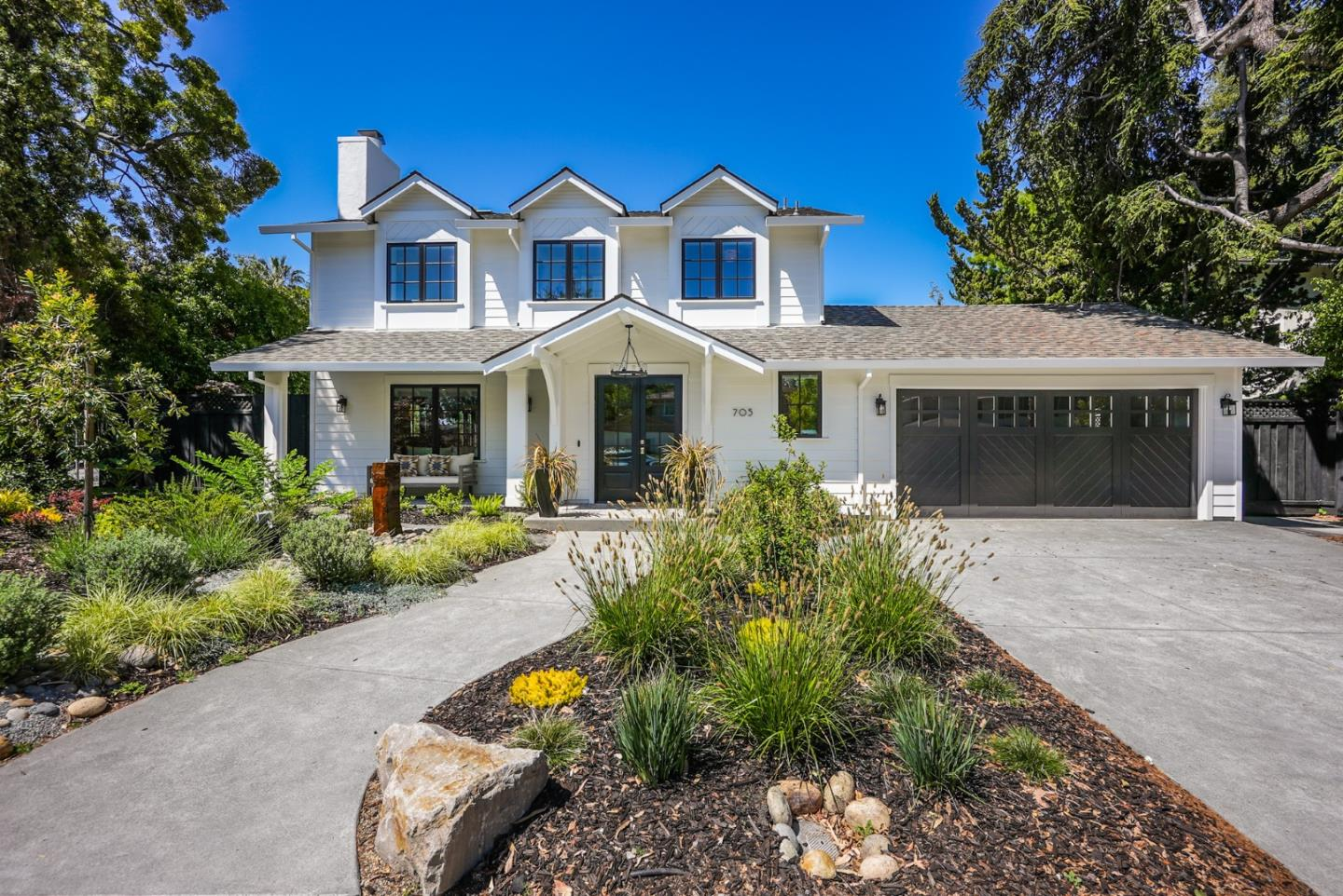 Detail Gallery Image 1 of 1 For 705 Charleston Ct, Palo Alto,  CA 94303 - 4 Beds | 3/1 Baths