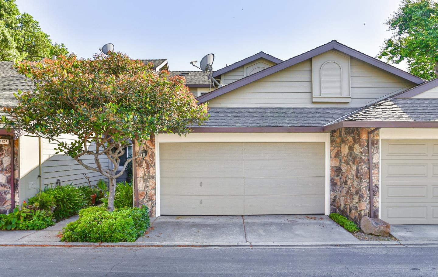 Detail Gallery Image 1 of 1 For 4824 River Trail Ct, San Jose,  CA 95136 - 2 Beds   2/1 Baths