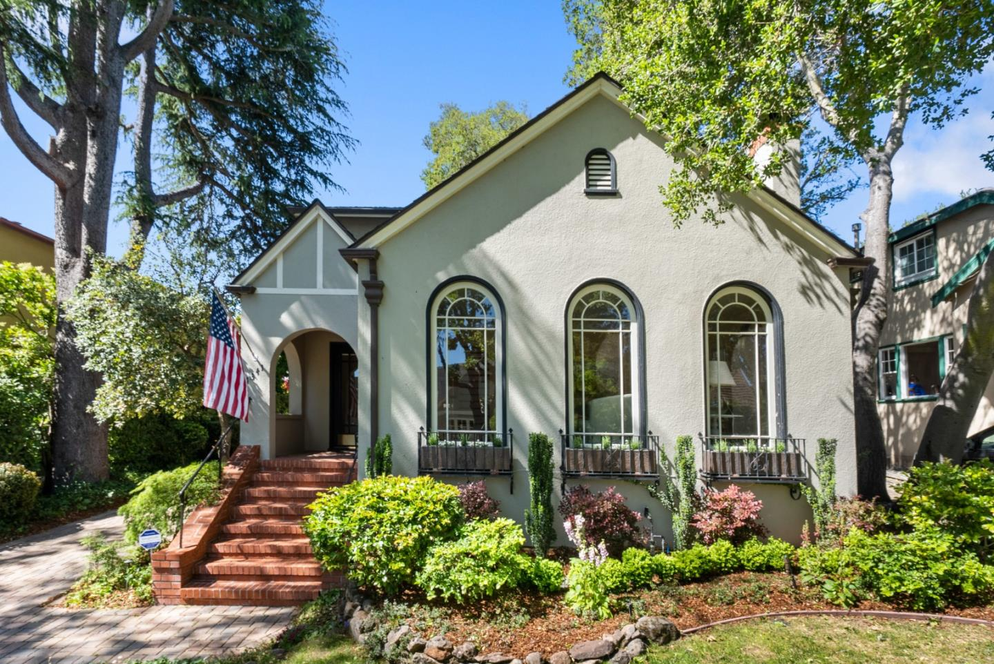 Detail Gallery Image 1 of 1 For 1341 Bernal Ave, Burlingame,  CA 94010 - 4 Beds   2 Baths